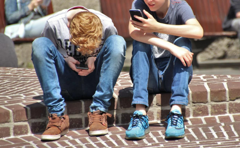 Abusi sui minori: il convegno di Telefono Azzurro sui rischi del web